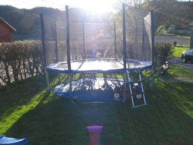 jonas-trampolinevar-016